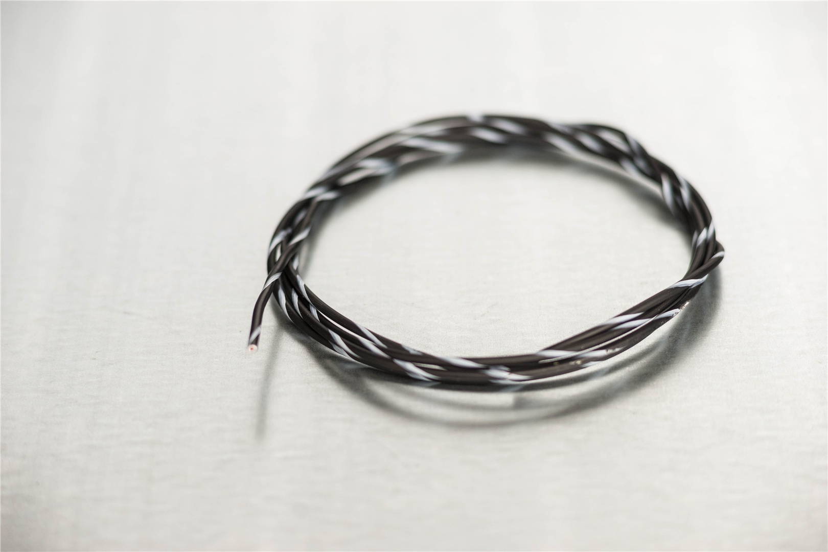 18 Black/White Primary Wire