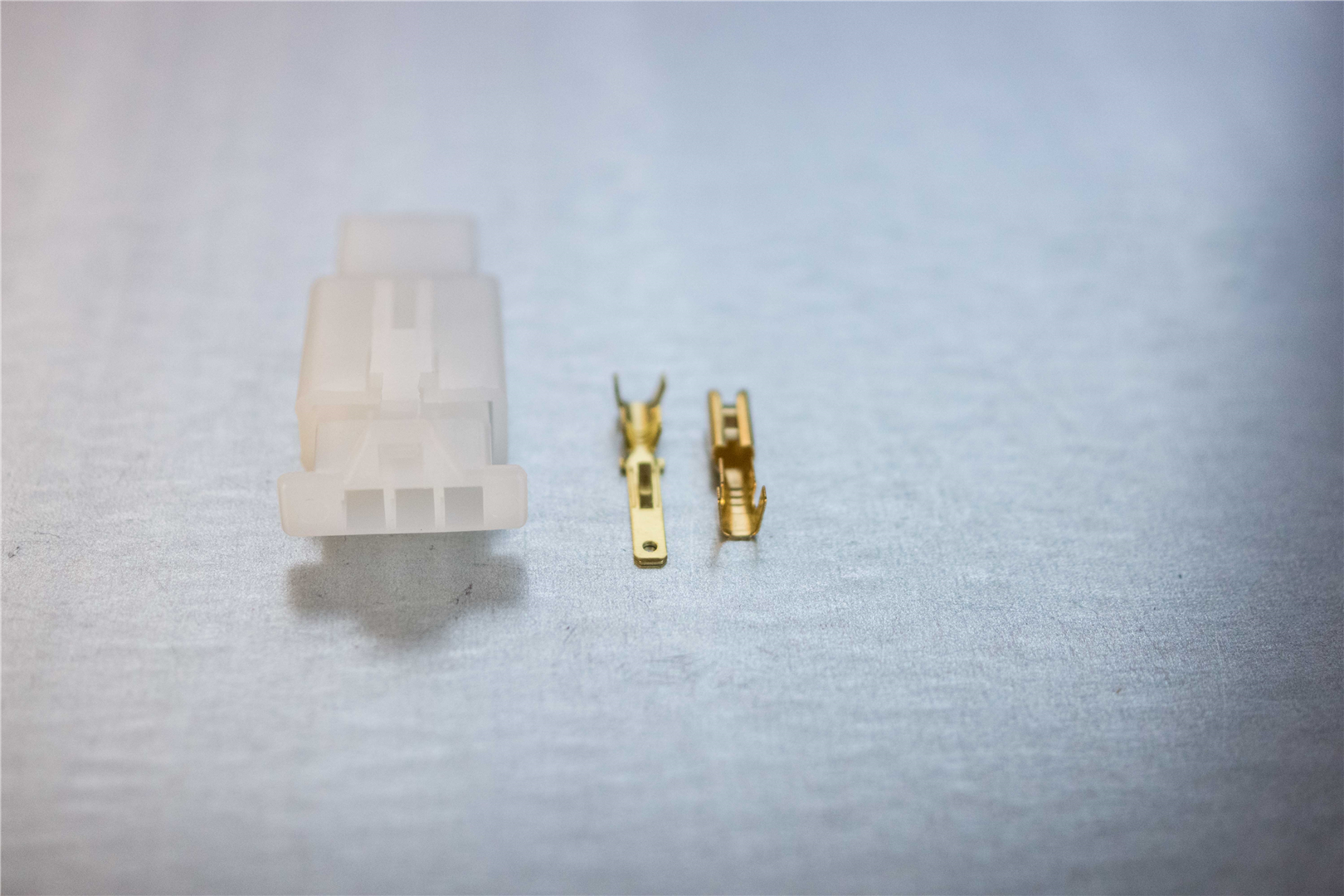 2.8mm 3-pin Latching M/F Nylon Connector