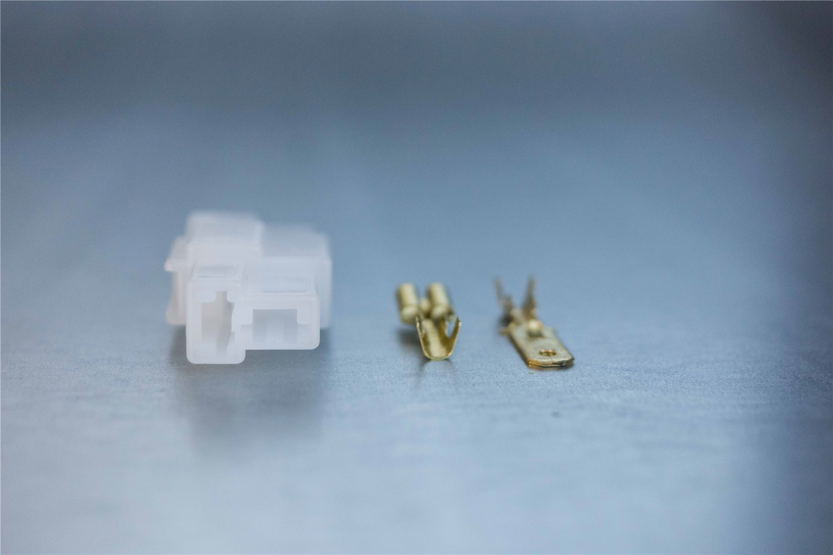 6.3mm 2-pin Latching M/F Nylon Connector