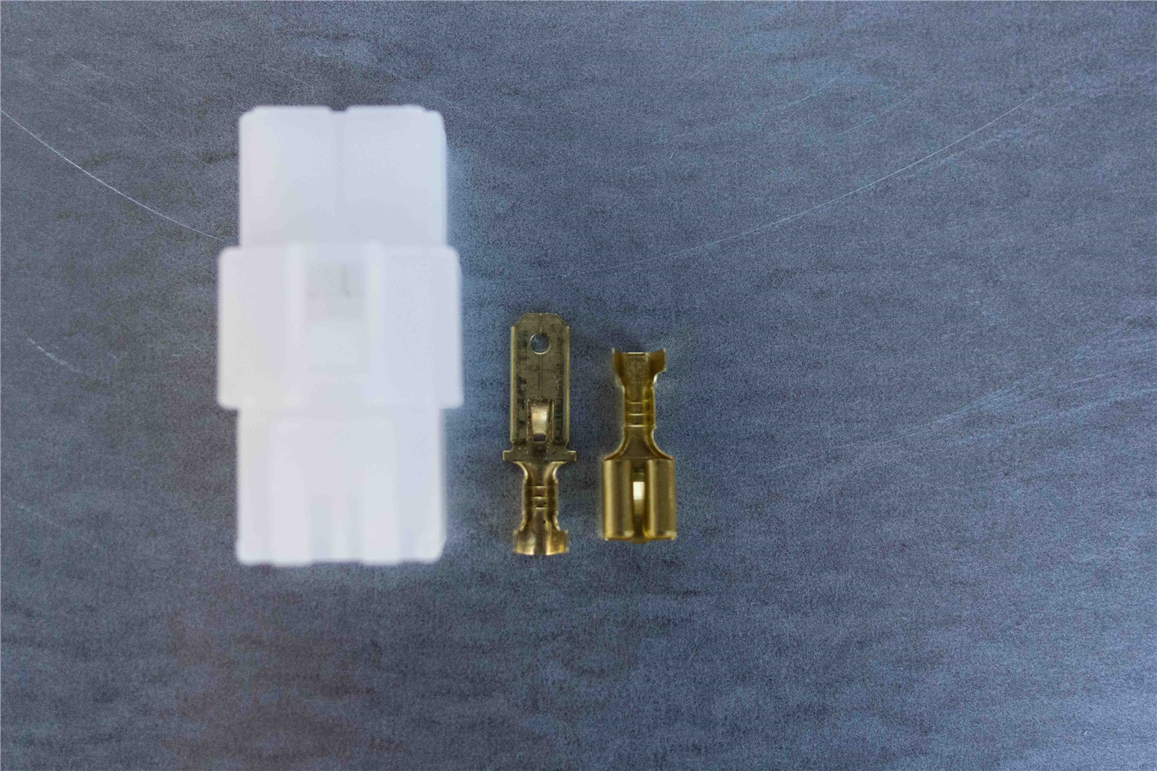 6.3mm 4-pin Latching M/F Nylon Connector